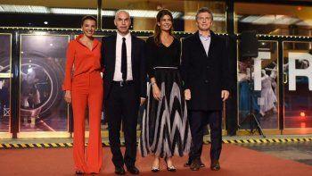 Con la presencia del Presidente Macri y personajes de la cultura