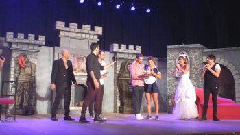 Flor Vigna festejó su cumpleaños sobre el escenario