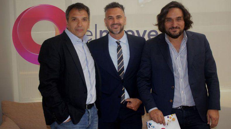 Leo Montero firmó esta tarde su contrato con El nueve hasta el 2020