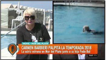 Estalló el verano: Carmen Barbieri hizo un piletazo en vivo