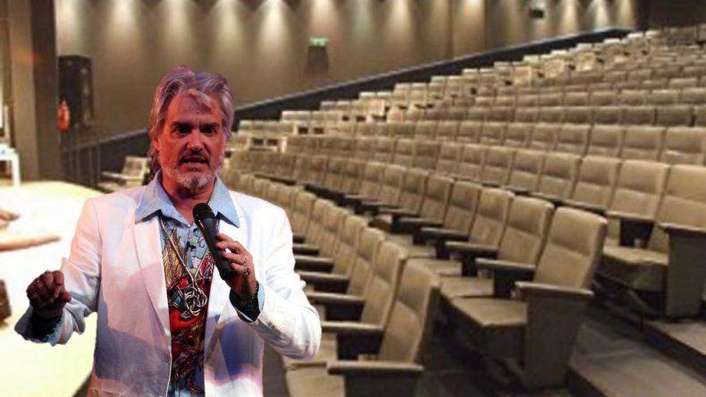 Luego del escándalo, Roberto Pettinato levantó su temporada teatral en Buenos Aires