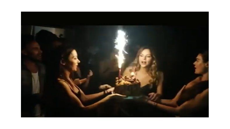 Insoportables Lavezzi y su novia; denunciados por sus vecinos por una fiesta interminable