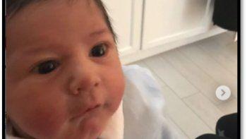 En otra provocación a sus hijas Diego Maradona mostró a su nieto