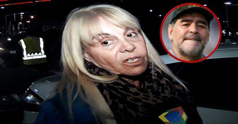 Claudia Villafañe recién llegada al país anunció juicio a Maradona: Es muy feo que un papá hable así de su hija