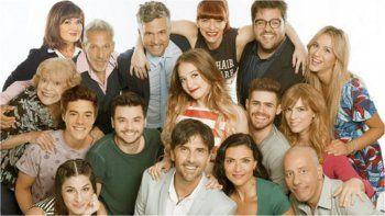 El elenco de Simona festeja el éxito de la tira sin prensa y a puertas cerradas