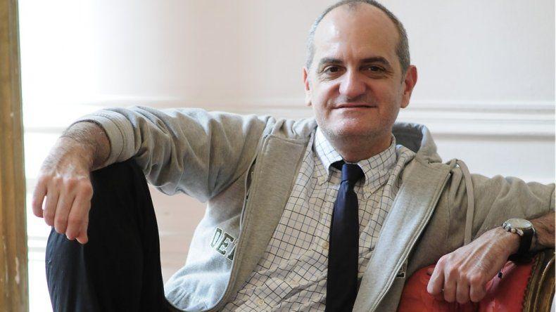 Internaron de urgencia al diseñador Laurencio Adot: tuvo un ACV