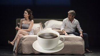 La frase de Casados con hijos que desató la pelea de Darín y Érica Rivas en el escenario: Cafecitoooo