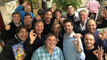 Los ex Videomatch le festejaron el cumpleaños a Carlitos Balá