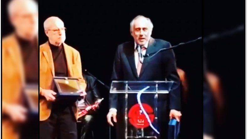 Gustavo Yankelevich fue distinguido con el premio Argentores y se lo dedicó a Juan Carlos Mesa