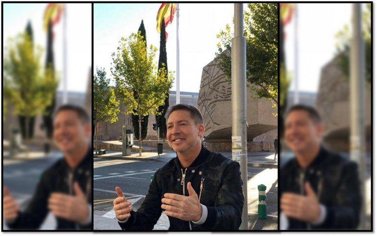 Adrián Suar viajó a España por proyectos laborales