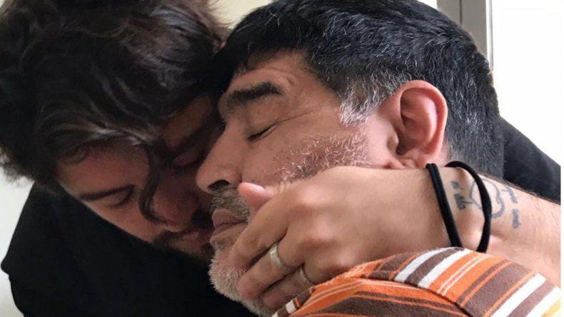 Nostálgico posteo de Junior a Maradona en su cumpleaños: Es tan difícil no poder abrazarte