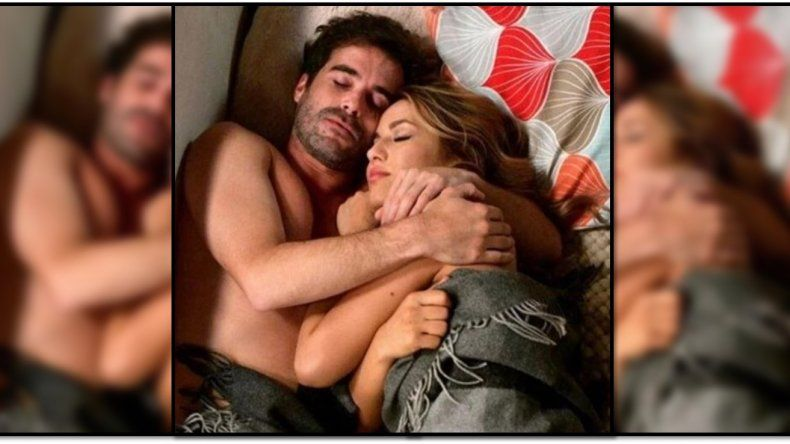 Flor Vigna posteó una polémica foto abrazada y en la cama con Cabré, pero tuvo que borrarla