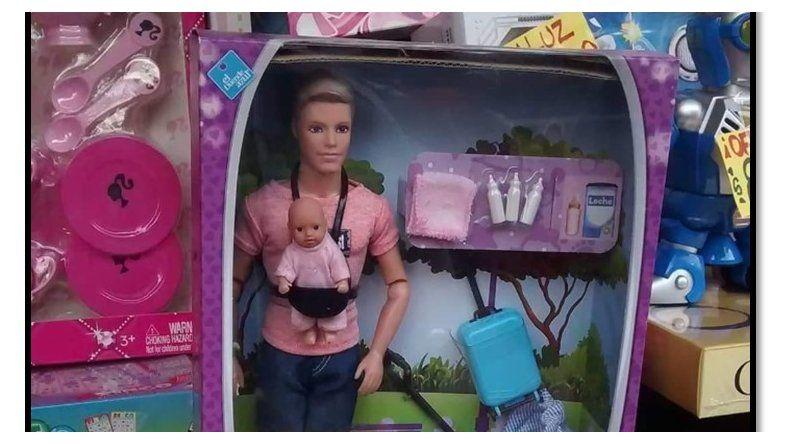 La crisis da para todo: promocionan muñeco con bebé como Marley y Mirko
