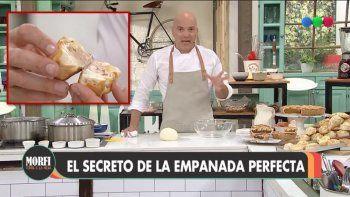 Inesperado: En Morfi preparaban una empanada perfecta y apareció un insecto desde su interior