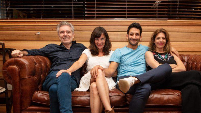 Juan Minujín y Jorgelina Aruzzi juntos al teatro después de 100 días para enamorarse