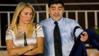 Se acabó la paz: Rocío Oliva demanda a Diego Maradona y le exige el pago de 6 millones de dólares para mantener su nivel de vida