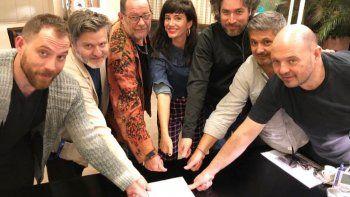 Griselda Siciliani vuelve al teatro y puso su firma de dedos