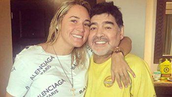 Noche de sexo y lujuria para Diego Maradona y Rocío Oliva y ofrecimiento de trabajo en México para la joven junto al DT