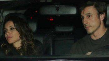 La foto hot de Pampita y su novio besándose en una habitación