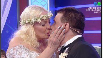 Las imágenes del bizarro casamiento en televisión de Silvia Süller y Jacobo Winograd