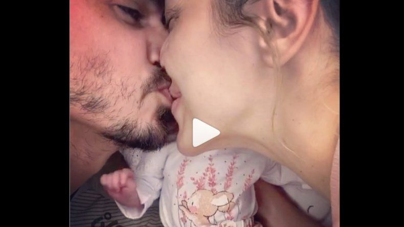 Virginia Gallardo mostró por primera vez la carita de su hija Martina