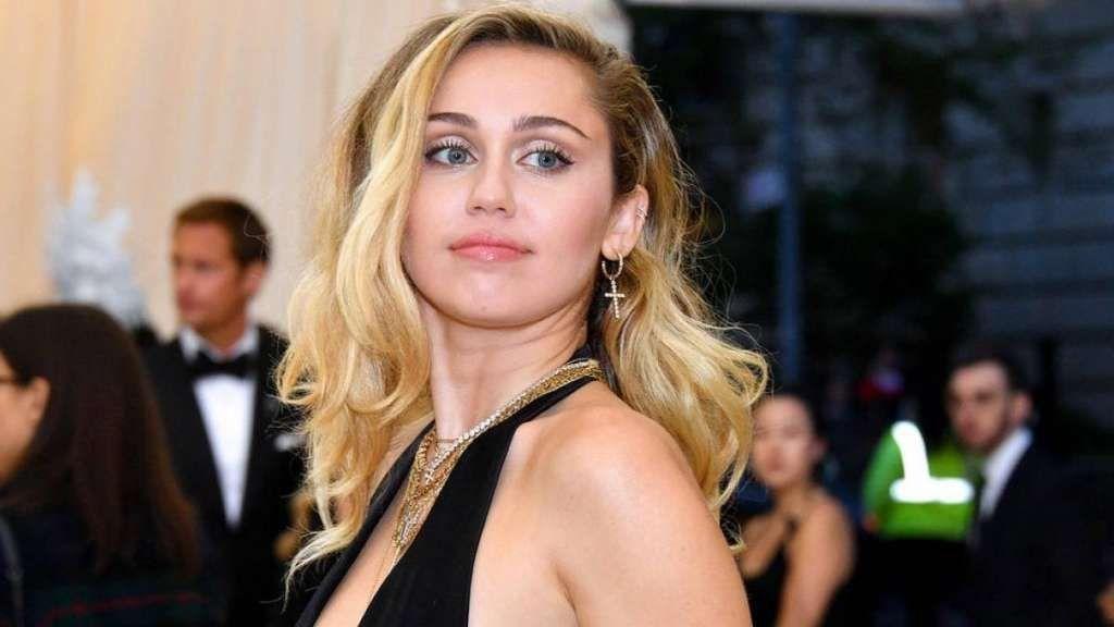 Miley Cyrus no quiere mostrar su casas durante la cuarentena