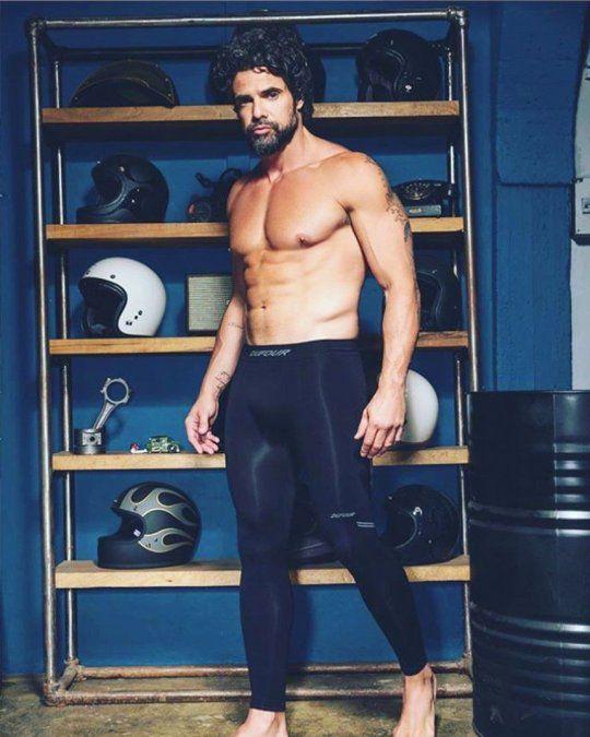 El rebote en las redes de las fotos de Luciano Castro desnudo