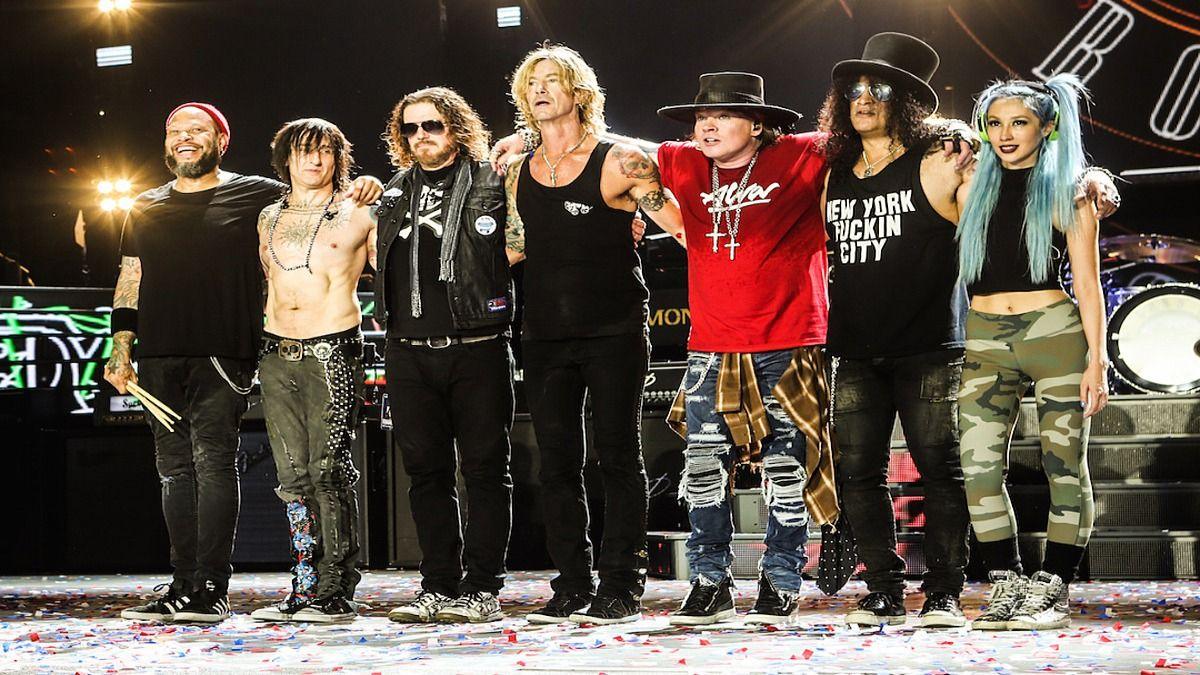 La banda de rock Guns N Roses reprogramó su gira para 2022