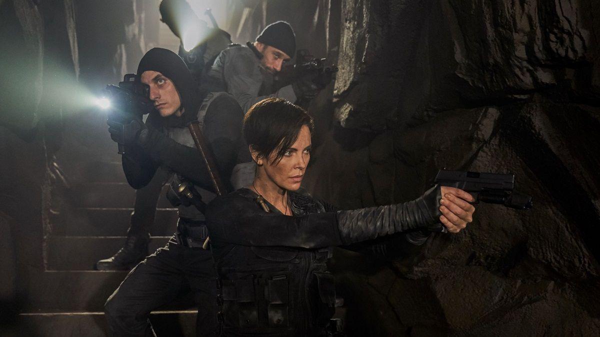 Charlize Theron es la protagonista de La Vieja Guardia