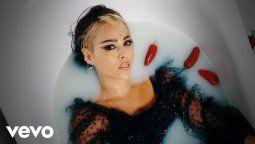 ¡De golpe! Danna Paola publica obligada su álbum K.O.