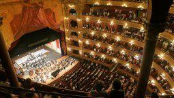 Directivos teatrales prevén reapertura próxima de los teatros en la Argentina