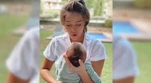 ¿Cómo? Laura Escanes está asustada por unos ruidos raros que hace su hija