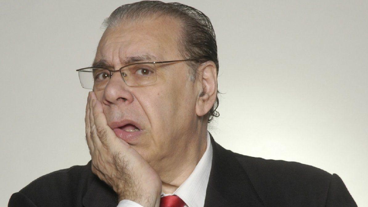 Enrique Pinti se vacuna contra el Covid-19