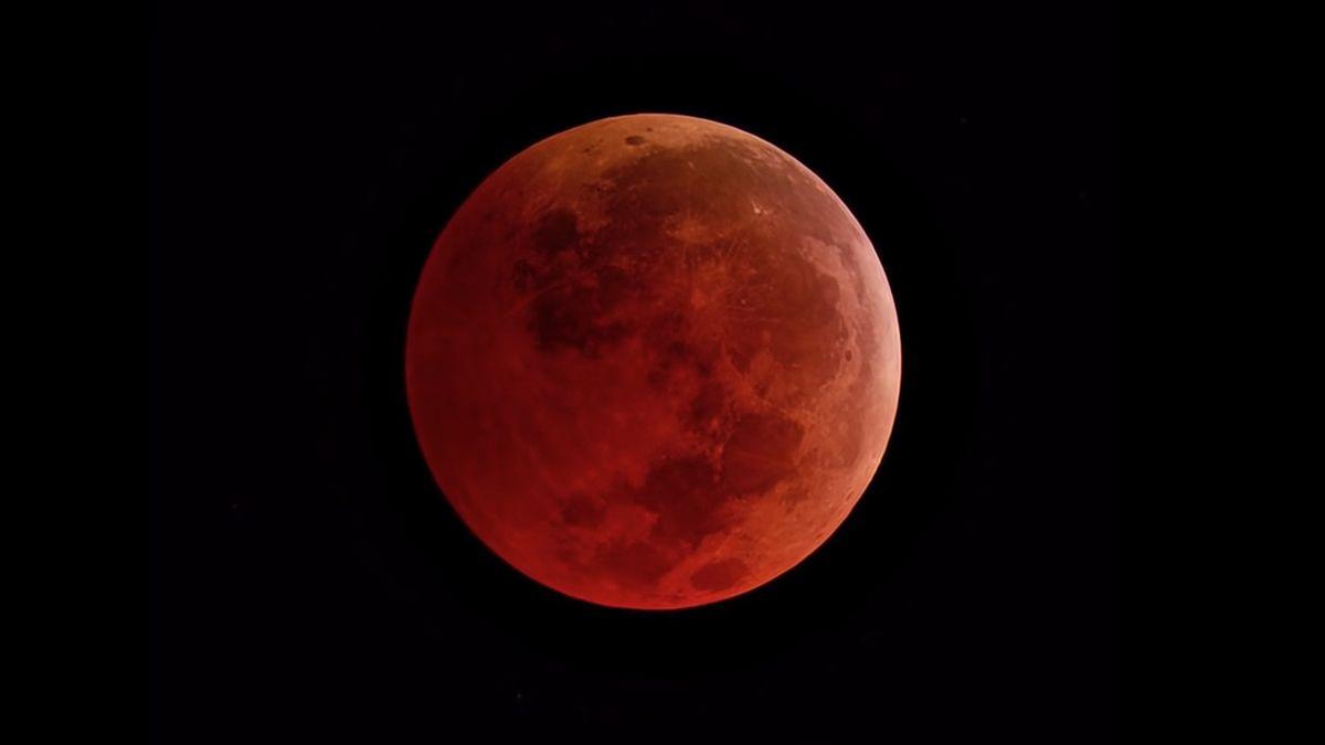 Cómo ver el eclipse penumbral en Argentina, este 5 de julio