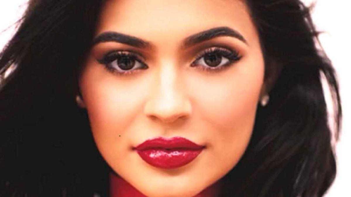 Kylie Jenner aumentó el tamaño de sus labios por inseguridad