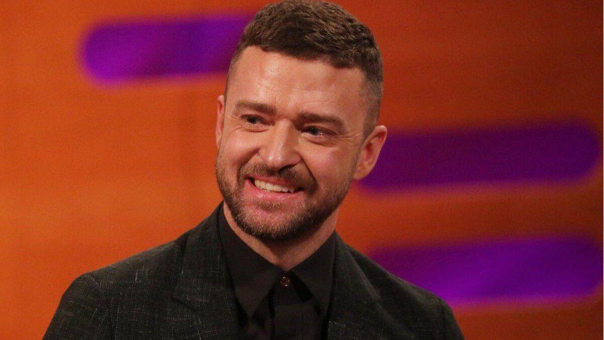 ¡Hermoso! Justin Timberlake ayuda a un joven con parálisis cerebral