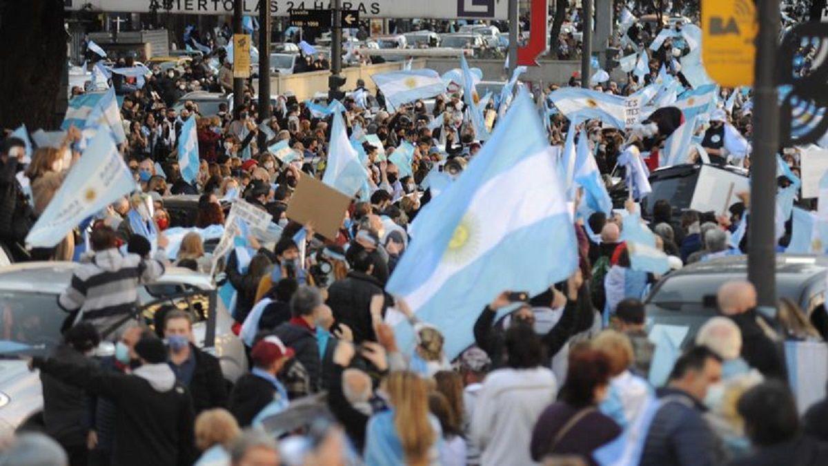 La marcha anticuarentena se concentró en el Obelisco de la ciudad de Buenos Aires