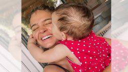 ¡Tierna! Laura Escanes se derrite con su hija Roma