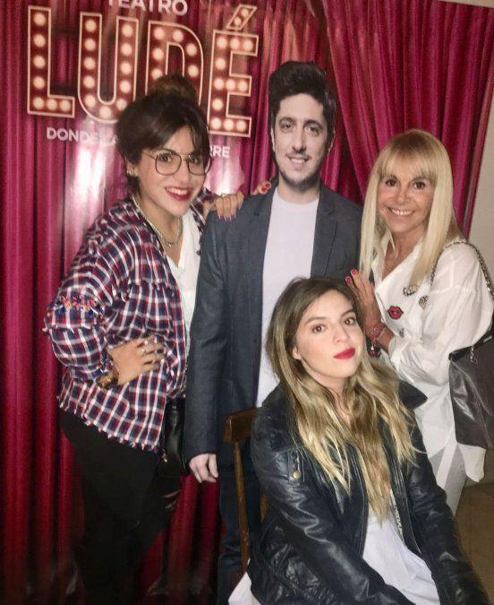 Luego del escándalo con Tauro y la Princesita, las Maradona y Claudia fueron al teatro