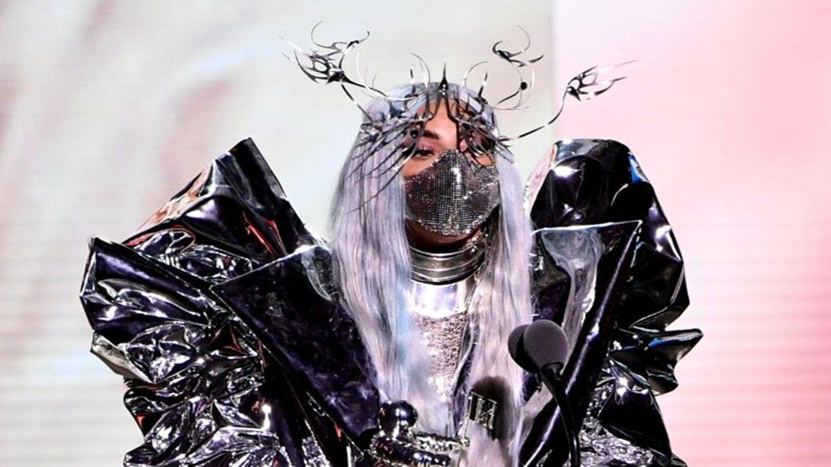 ¡Extravagante! Las exóticas y raras mascarillas de Lady Gaga