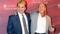 Cristian Castro junto a su papá el Loco Valdés