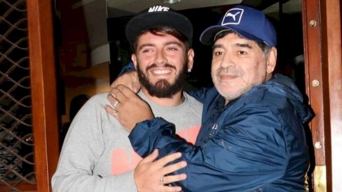 Diego Junior junto a su padre Diego Maradona