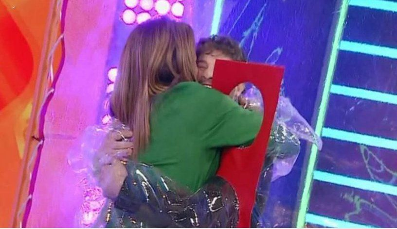 Lizy Tagliani y Leo se abrazaron bajo un protocolo especial