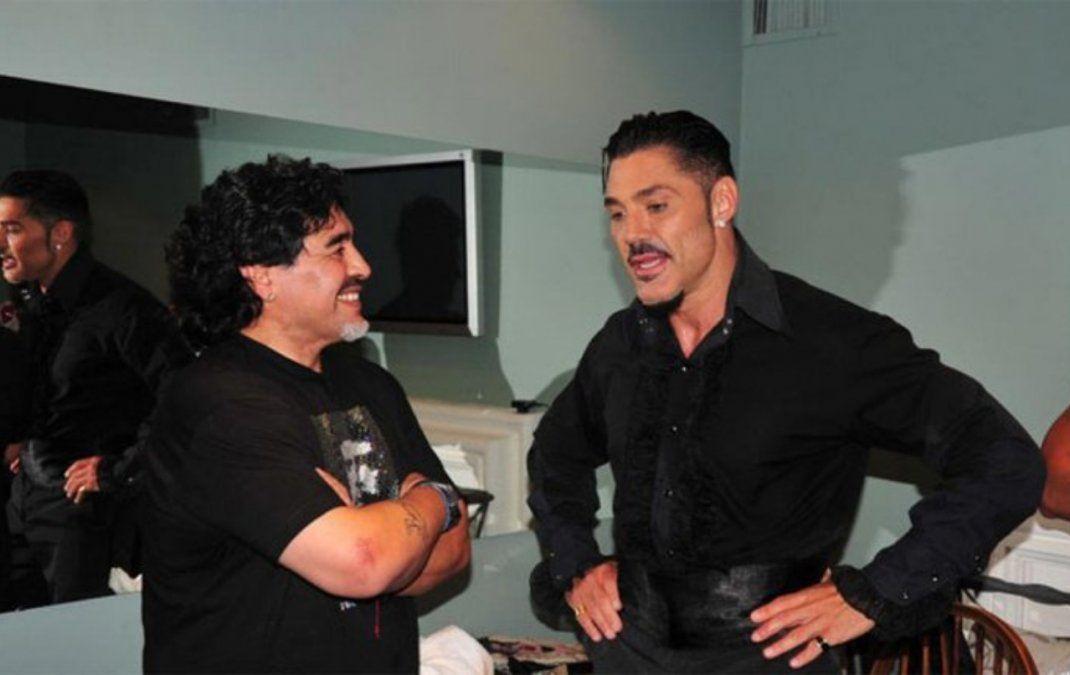 Maradona y Fort en un mano a mano increíble
