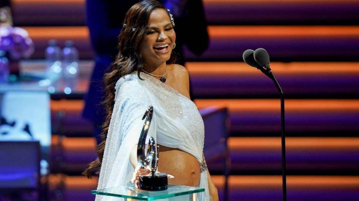 ¡Está embarazada! Natti Natasha anunció que va a ser madre