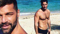 ¡Polémico! La foto de Ricky Martin y su esposo para una revista