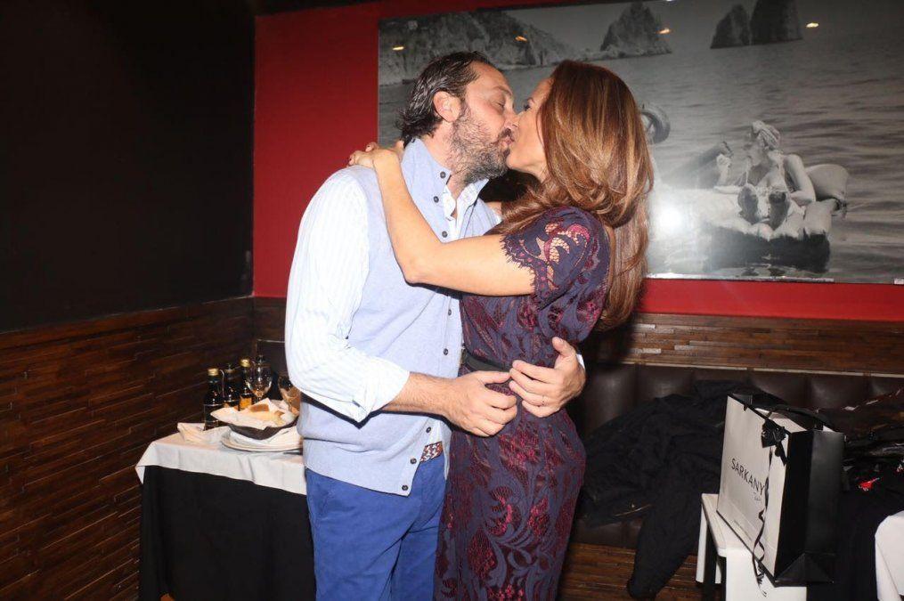 Iliana Calabro celebró su cumple con su novio y toda la familia, incluida su hermana Marina