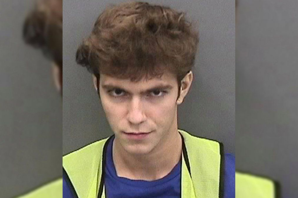 Interrumpieron la audiencia del hacker de 17 años con videos porno