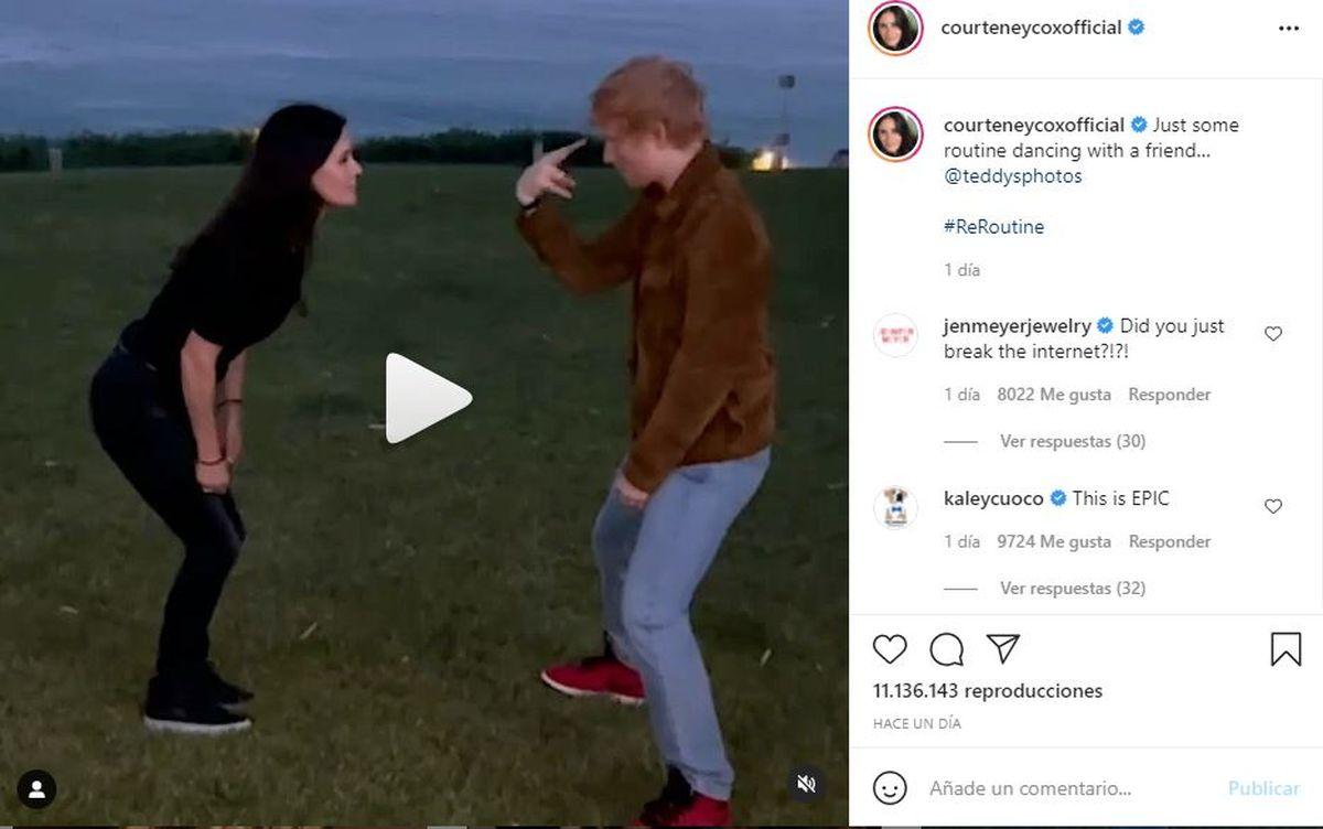 A través de su cuenta Instagram Courteney Cox compartió el video bailando junto a Ed Sheeran
