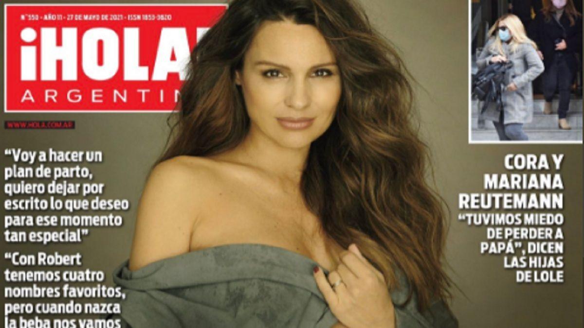 Pampita posó casi desnuda en la revista ¡Hola! Argentina
